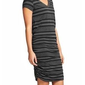 Athleta Gray Black V-Neck Topanga Dress
